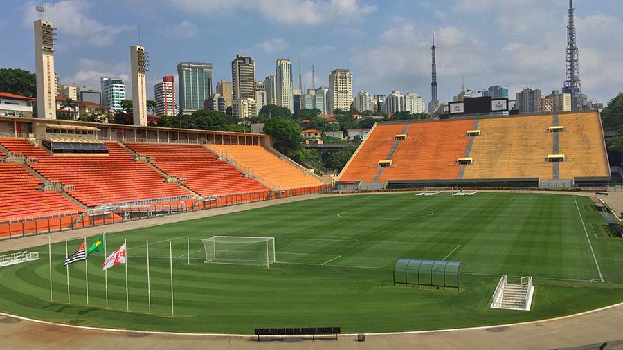 São Paulo (Brasil) - 3 estádios de futebol para se conhecer na cidade -  3em3  16d7b3688289f