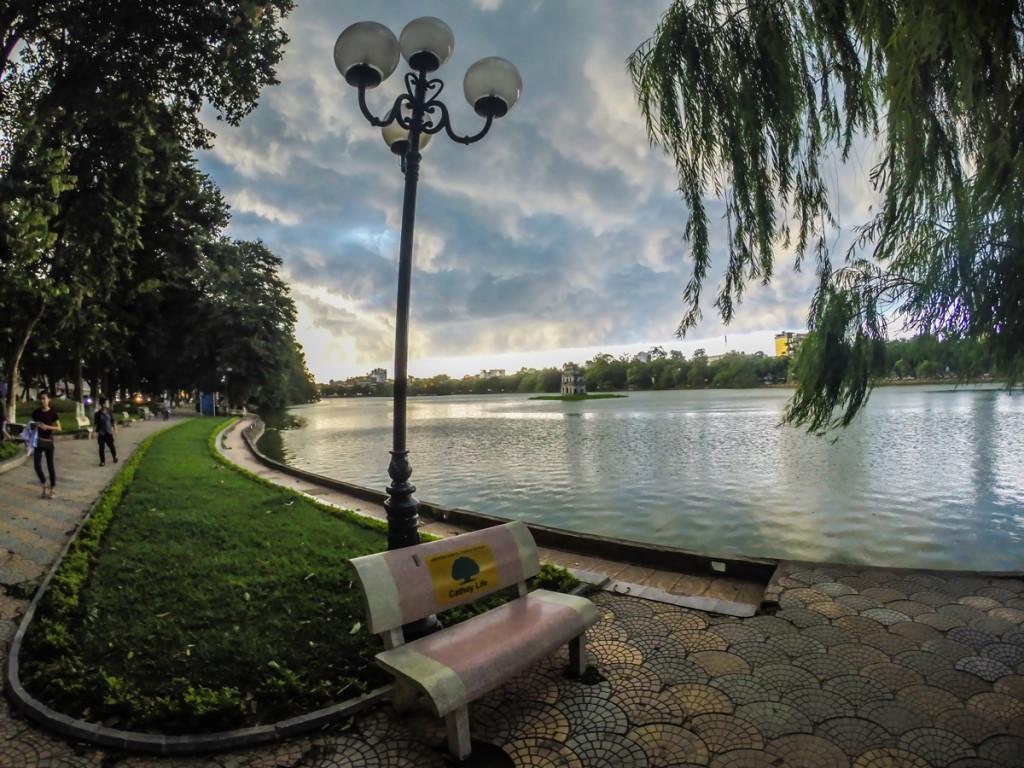3em3-hanoi-hoan-kiem-lake