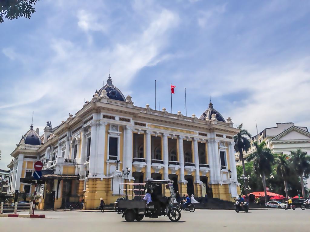 3em3-hanoi-vietnam-french-quarter